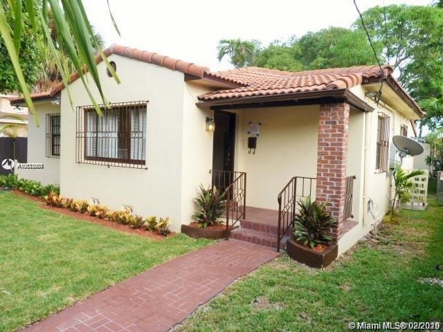 3 Bedrooms, Coral Way Rental in Miami, FL for $2,700 - Photo 2