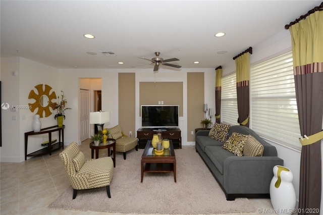 3 Bedrooms, Sawgrass Lakes Rental in Miami, FL for $2,750 - Photo 2