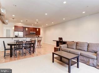 2 Bedrooms, Adams Morgan Rental in Washington, DC for $3,800 - Photo 2