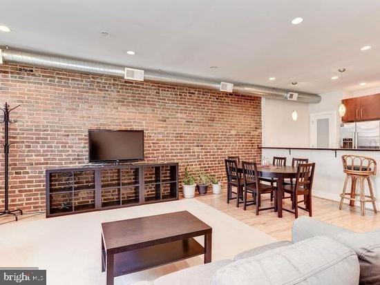 2 Bedrooms, Adams Morgan Rental in Washington, DC for $3,800 - Photo 1