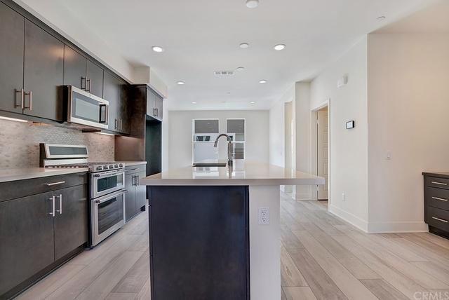 3 Bedrooms, Westside Costa Mesa Rental in Los Angeles, CA for $4,000 - Photo 1