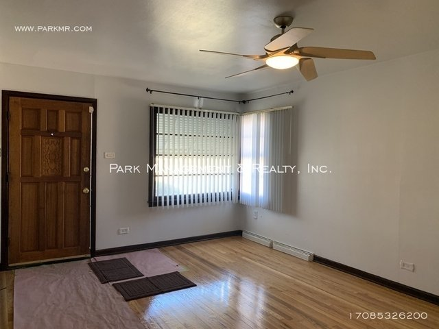 3 Bedrooms, Thornton Rental in Chicago, IL for $1,150 - Photo 2