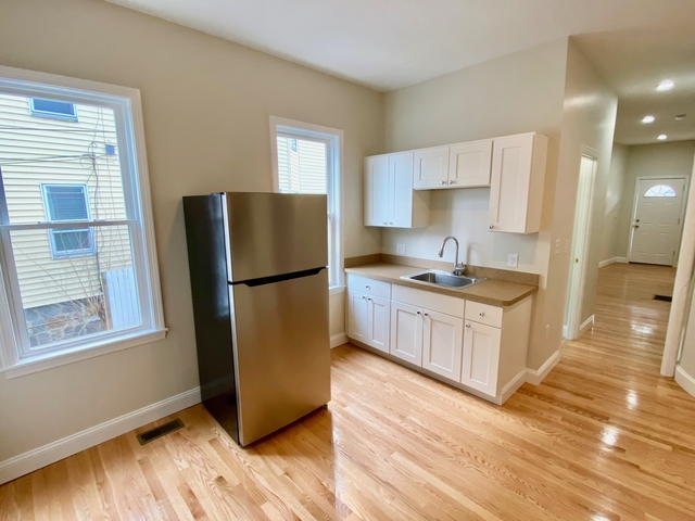 3 Bedrooms, Meeting House Hill Rental in Boston, MA for $2,300 - Photo 2