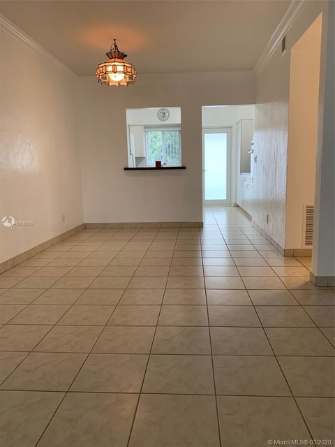 2 Bedrooms, Hallandale Beach Rental in Miami, FL for $1,775 - Photo 2
