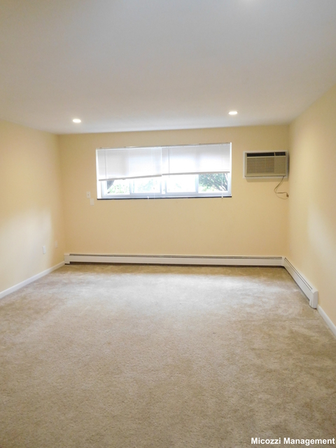 2 Bedrooms, Newton Center Rental in Boston, MA for $2,295 - Photo 2