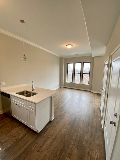 2 Bedrooms, Heart of Italy Rental in Chicago, IL for $1,800 - Photo 2