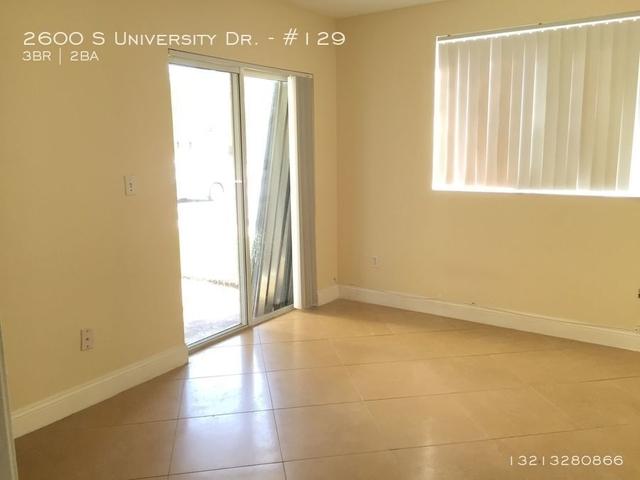 3 Bedrooms, University Village East Rental in Miami, FL for $1,850 - Photo 2