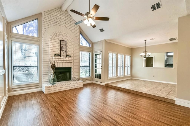 3 Bedrooms, Old Mill Park Rental in Houston for $1,850 - Photo 1
