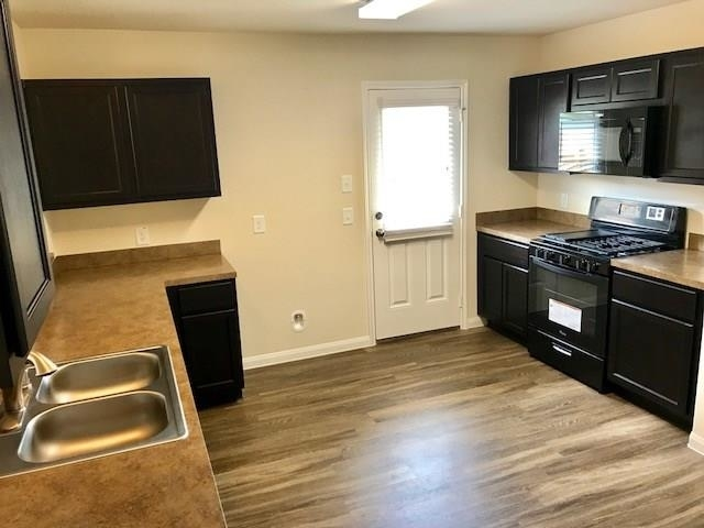 3 Bedrooms, North Kingwood Forest Rental in Houston for $1,500 - Photo 2