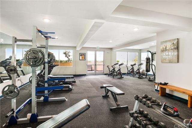 2 Bedrooms, Van Nuys Rental in Los Angeles, CA for $2,300 - Photo 1