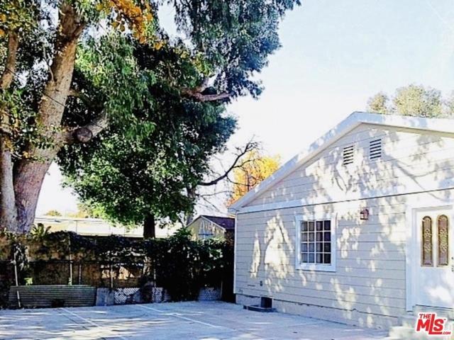 2 Bedrooms, Van Nuys Rental in Los Angeles, CA for $2,295 - Photo 1