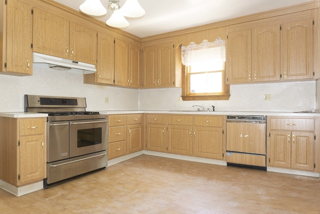 3 Bedrooms, St. Elizabeth's Rental in Boston, MA for $2,800 - Photo 2