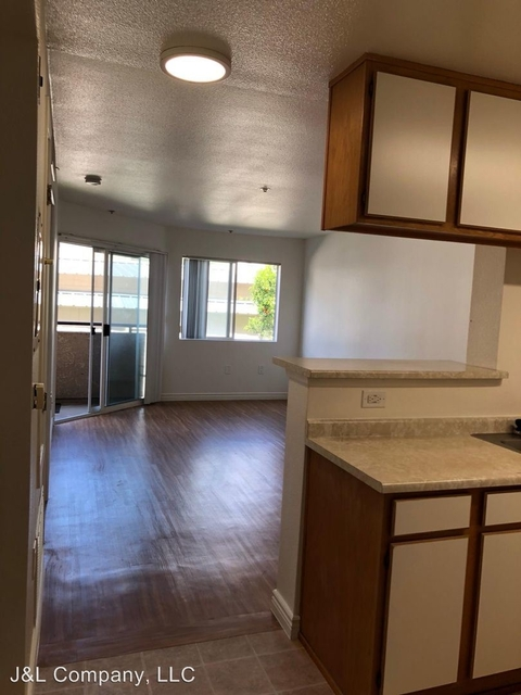 1 Bedroom, Hollywood United Rental in Los Angeles, CA for $1,750 - Photo 1