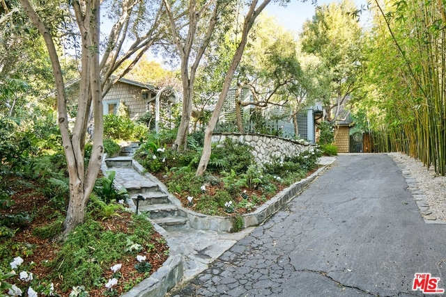 2 Bedrooms, Pacific Palisades Rental in Los Angeles, CA for $13,500 - Photo 2