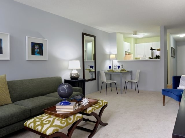 1 Bedroom, Gold Coast Rental in Chicago, IL for $1,738 - Photo 2