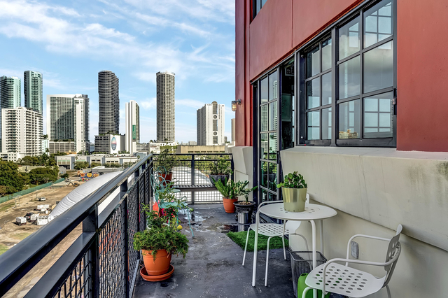 1 Bedroom, Parc Lofts Rental in Miami, FL for $3,500 - Photo 2