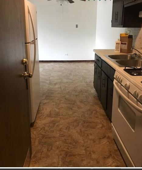 2 Bedrooms, Calumet City Rental in Chicago, IL for $950 - Photo 2