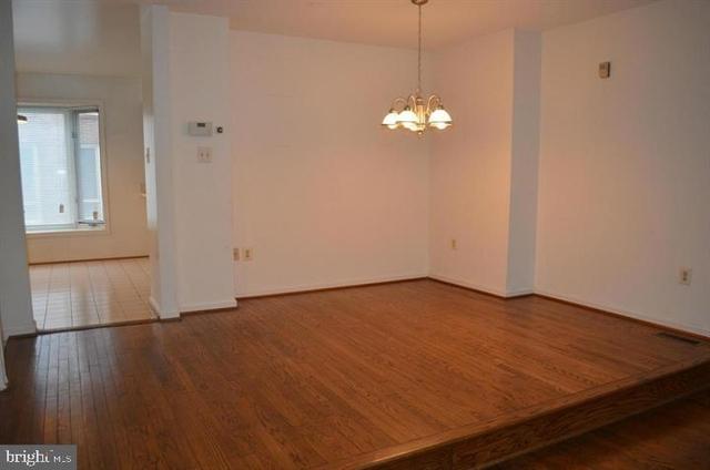 3 Bedrooms, Woodmon Overlook Rental in Washington, DC for $2,550 - Photo 2