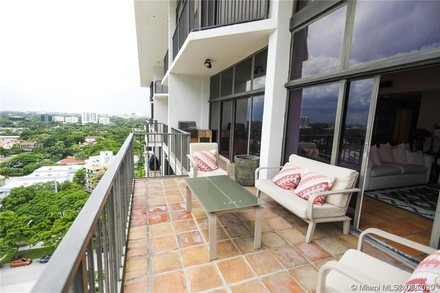 3 Bedrooms, Millionaire's Row Rental in Miami, FL for $5,000 - Photo 2