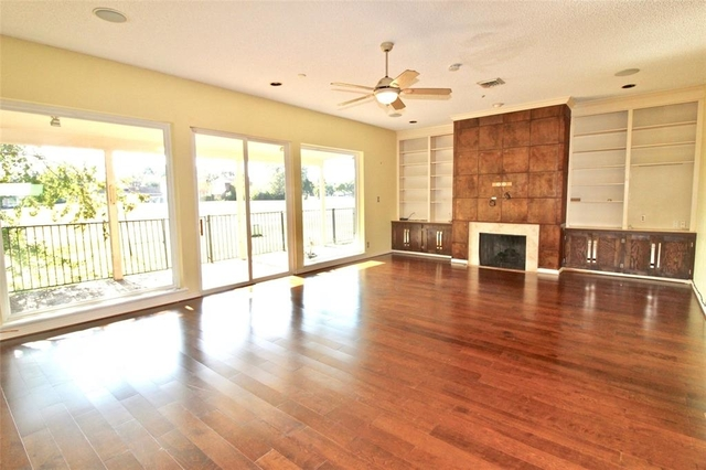 3 Bedrooms, Sugar Creek Rental in Houston for $2,250 - Photo 2