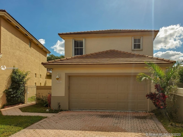 3 Bedrooms, The Crossbow Rental in Miami, FL for $2,500 - Photo 2