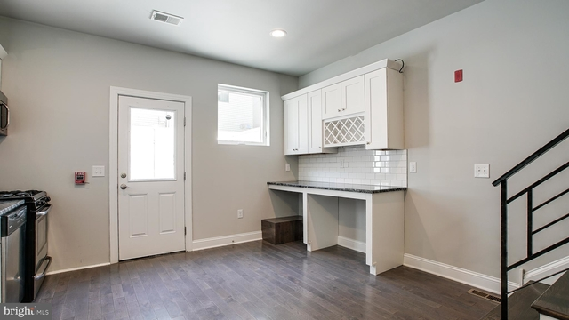 3 Bedrooms, Northern Liberties - Fishtown Rental in Philadelphia, PA for $2,495 - Photo 2