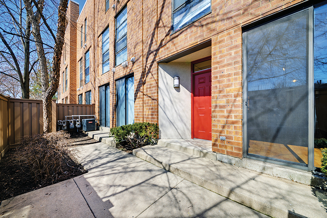 2 Bedrooms, Oak Park Rental in Chicago, IL for $2,035 - Photo 2