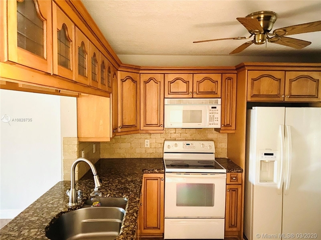 3 Bedrooms, Forest Hills Rental in Miami, FL for $1,850 - Photo 1