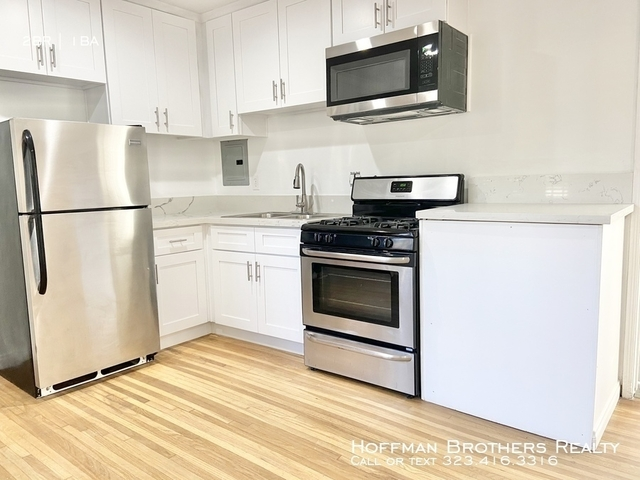 2 Bedrooms, Hollywood Hills West Rental in Los Angeles, CA for $2,295 - Photo 1