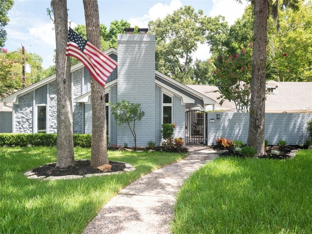 4 Bedrooms, Walnut Bend Rental in Houston for $2,700 - Photo 2
