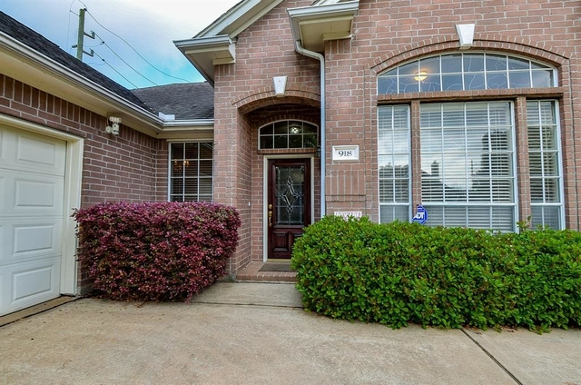4 Bedrooms, Sugar Lakes Rental in Houston for $2,500 - Photo 2