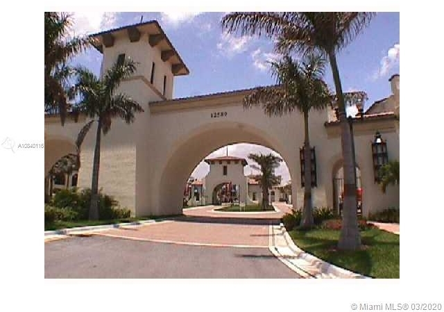 2 Bedrooms, Sawgrass Lakes Rental in Miami, FL for $2,000 - Photo 2