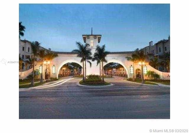 2 Bedrooms, Sawgrass Lakes Rental in Miami, FL for $2,000 - Photo 1