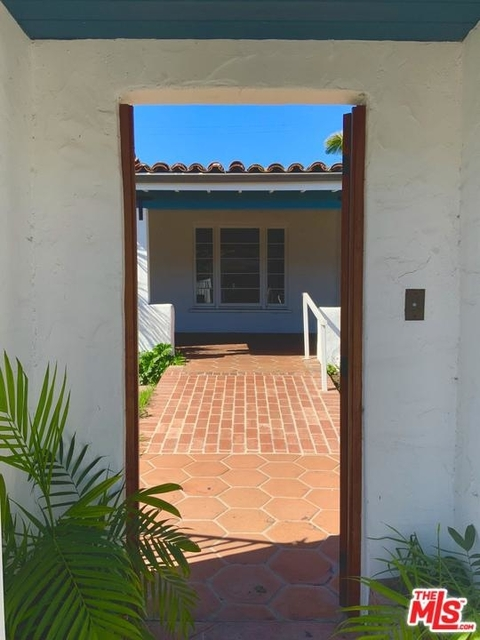 2 Bedrooms, East of Lincoln Rental in Los Angeles, CA for $5,500 - Photo 2