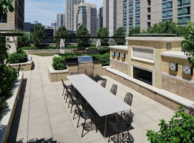 1 Bedroom, Near North Side Rental in Chicago, IL for $2,476 - Photo 2