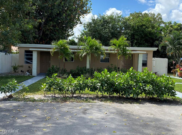 1 Bedroom, Boulevard Heights - West Hollywood Rental in Miami, FL for $1,150 - Photo 1