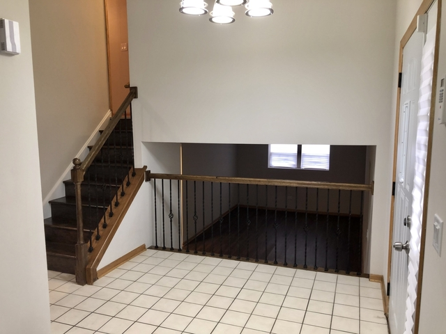 3 Bedrooms, Thornton Rental in Chicago, IL for $1,650 - Photo 2