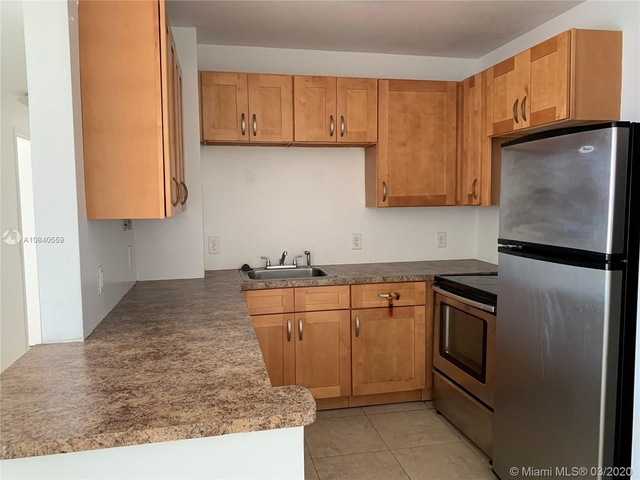 2 Bedrooms, Park View Point Rental in Miami, FL for $1,800 - Photo 2
