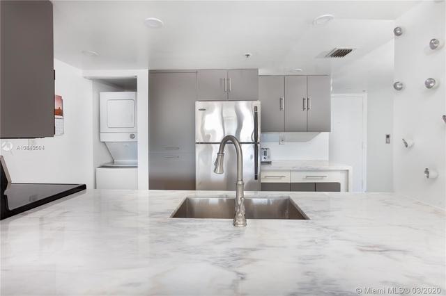 2 Bedrooms, Omni International Rental in Miami, FL for $2,500 - Photo 2