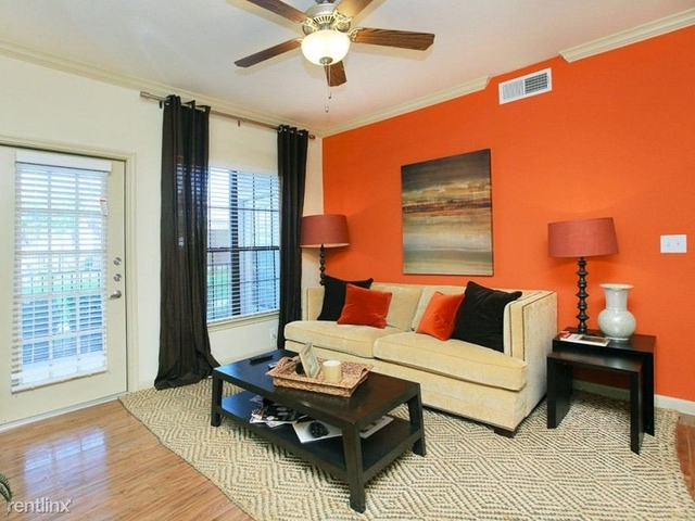 2 Bedrooms, Sugar Land Rental in Houston for $1,085 - Photo 1