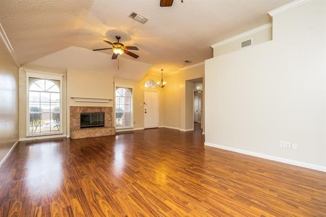 3 Bedrooms, Creek Crossing Estates Rental in Dallas for $1,735 - Photo 2