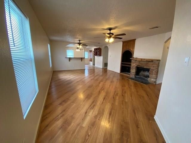 3 Bedrooms, The Vineyards at Heritage Rental in Dallas for $1,795 - Photo 2