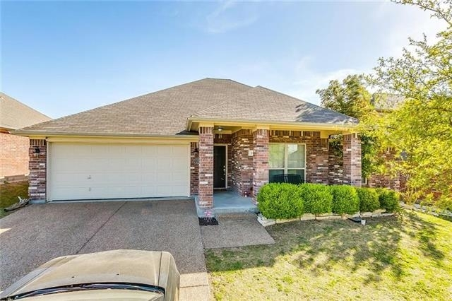 4 Bedrooms, Willow Park Rental in Dallas for $2,125 - Photo 2