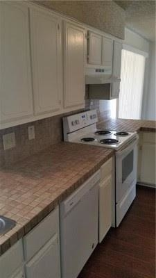 3 Bedrooms, Wedgwood Square Rental in Dallas for $1,400 - Photo 2
