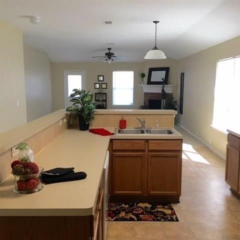 4 Bedrooms, Meadow Creek South Rental in Dallas for $1,600 - Photo 2