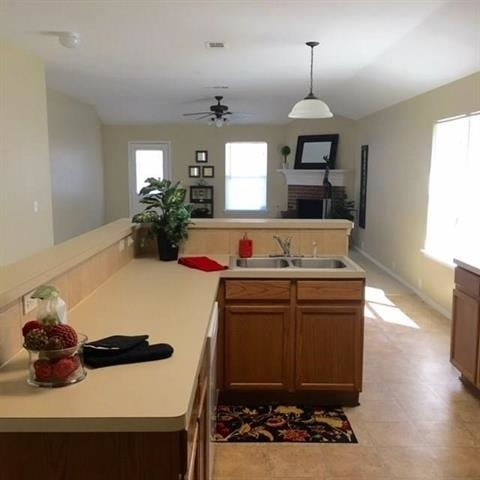 4 Bedrooms, Meadow Creek South Rental in Dallas for $1,600 - Photo 2