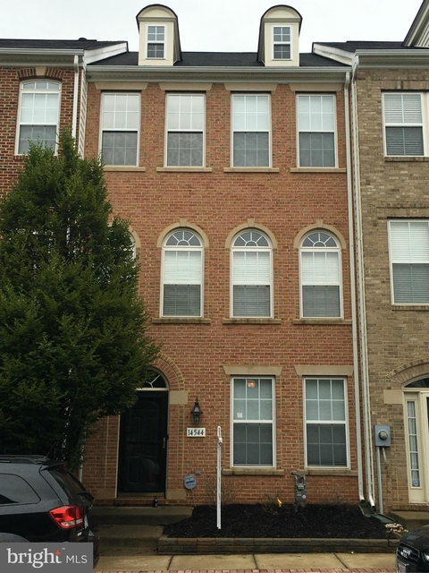 3 Bedrooms, Village Place at Gainesville Rental in Washington, DC for $2,200 - Photo 1