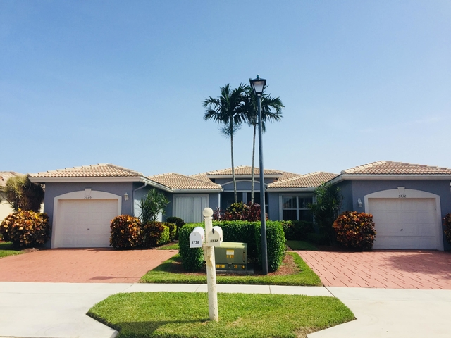 3 Bedrooms, Palm Beach County Rental in Miami, FL for $1,900 - Photo 1
