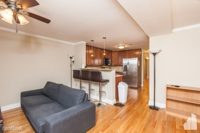 3 Bedrooms, The Gap Rental in Chicago, IL for $2,400 - Photo 2