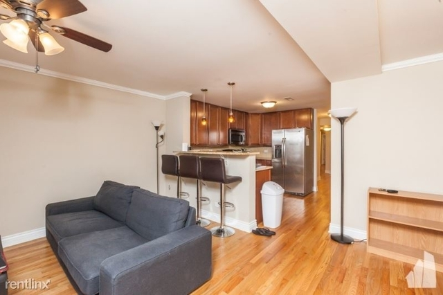 3 Bedrooms, The Gap Rental in Chicago, IL for $2,200 - Photo 2